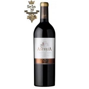 Rượu Vang Đỏ Pháp Astelia Cabernet Sauvignon có mầu đỏ nổi bật. Hương thơm tinh tế của hoa trắng, trái cây họ cam quýt cùng gợi ý của mật ong