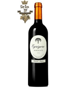 Rượu Vang Đỏ Bernard Magrez Egregore Bordeaux có màu đỏ ruby đẹp mắt. Hương thơm phong phú của các loại trái cây chín mọng cùng gợi ý của vani