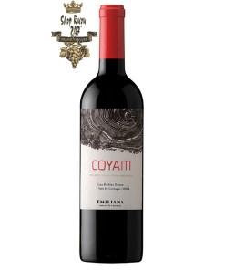 Rượu Vang Đỏ COYAM Emiliana có mầu đỏ tím. Hương thơm thanh lịch và phức tạp của các loại trái cây anh đào, mận