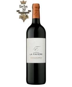 Rượu Vang Đỏ Chateau La Faviere Bordeaux Superieur có mầu đỏ ruby. Hương thơm quyến rũ của rất nhiều trái cây chín đỏ, nho đen, dâu đen