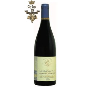 Rượu Vang Đỏ La Roche Saint Vincent Saumur Champigny có màu đỏ ruby đẹp mắt. Hương thơm lan tỏa của các loại trái cây mầu đỏ như anh đào