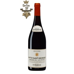 Rượu Vang Pháp Patriarche Nuits Saint Georges Les Cailles có mầu đỏ ruby đẹp mắt. Hương thơm của các loại trái cây như quả lý đen, phúc bồn tử