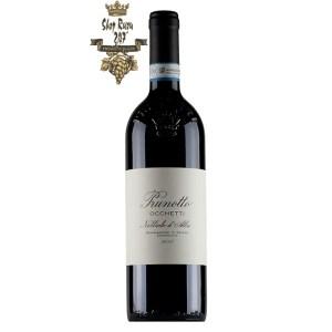 Rượu Vang Đỏ Prunotto Occhetti Nebbiolo dAlba DOCG có mầu đỏ của Ruby có cường độ tốt với garnet. Hương thơm thanh lịch với gợi ý của quả mâm xôi,