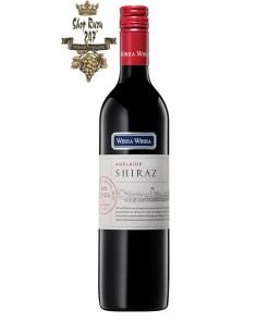 Rượu Vang Đỏ Úc Wirra Wirra Adelaide Shiraz có màu đỏ thẫm rực rỡ. Hương thơm lan tỏa của trái cây như mận, dâu và dâu đen