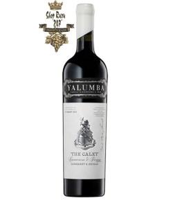Rượu Vang Đỏ Úc Yalumba The Caley có mầu đỏ thẫm tím. Hương thơm là sự kết hợp tuyệt vời của quả dâu đen, anh đào đen