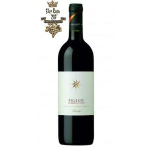 Rượu Vang Đỏ Prunotto Fiulot Barbera DAsti DOCG có mầu đỏ tươi mãnh liệt. Hương thơm lan tỏa của các loại trái cây như mận, anh đào