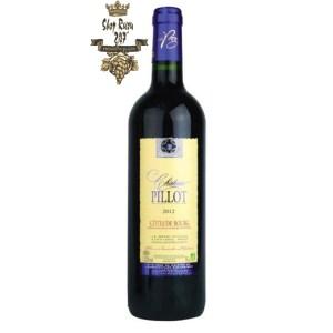 Rượu Vang Đỏ Pháp Chateau Pillot Cotes de Bourg Organic có màu đỏ đẹp mắt. Hương thơm lan tỏa của các loại trái cây mầu đỏ cùng gợi ý