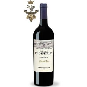 Rượu Vang Pháp Đỏ Gerard Bertrand Chateau LHospitalet La Clape có màu đỏ ruby đậm. Mềm mại và cân bằng trong miệng, có vị trái cây của mứt