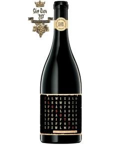 Rượu Vang Đỏ Úc Hentley Farm Clos Otto Shiraz có mầu đỏ anh đào đậm. Hương thơm phong phú và phức tạp của các loại trái cây tối, thảo dược