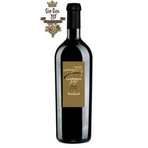 Rượu Vang Tây Ban Nha Lagranja Golden Label có mầu đỏ anh đào đẹp mắt. Hương thơm nồng nàn, hấp dẫn của bánh trứng đỏ, vani