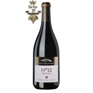 Rượu Vang Đỏ Tây Ban Nha No 12 có mầu đỏ rực rỡ . Hương thơm của các loại trái cây, vani, socola nguyên chất và gia vị nổi bật.