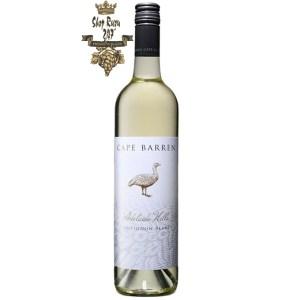 Adelaide Hills Sauvignon Blanc Cape Barren có mầu xanh lục rực rỡ. Hương thơm hấp dẫn và hăng hái của nước ép chanh, bưởi tươi mát