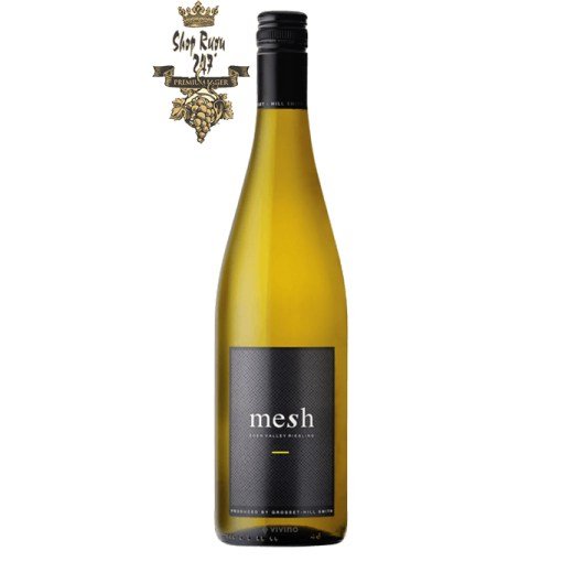 Rượu vang trắng Úc Mesh Riesling lan tỏa một sức quyến rũ tuyệt vời từ mùi hương của trái cây màu vàng của chanh và bưởi