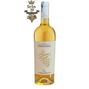 Rượu Vang Trắng Le vigne di Sammarco Chardonnay Bianco Salento có mầu vàng rơm ánh xanh lục. Hương thơm trái cây