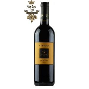 Rượu Vang Ý Đỏ Tormaresca Neprica Primitivo có mầu đỏ ruby mãnh liệt. Hương thơm của trái cây đỏ, quả mọng cùng gợi ý