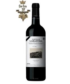 Rượu Vang Tây Ban Nha Castillo Labastida Crianza với gam màu đỏ ruby sống động, quyến rũ vang đã ghi điểm trong lòng khách hàng trên thế giới