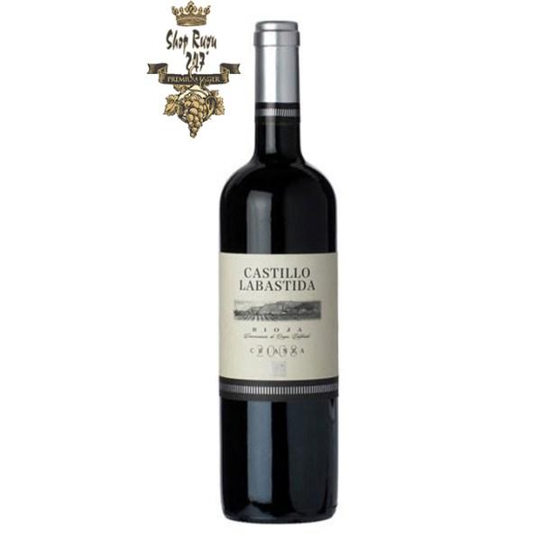 Rượu vang Castillo Labastida Oak Aged được tạo nên bởi nho Tempranillo – giống nho nổi tiếng của đất nước Tây Ban Nha.