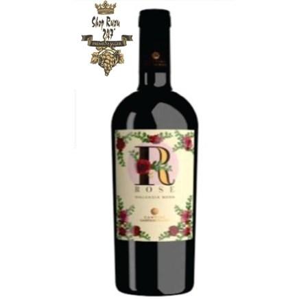 Rượu có màu đỏ Ruby sẫm pha lẫn sắc tím , mùi thơm nồng nàn dai dẳng của quả chín mọng đỏ, mứt, anh đào đen, chà là, quả sung khô và sắc thái cacao