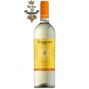 Rượu Vang Trắng Stemmari Moscato I.G.T có màu vàng sáng của rượu. Hương thơm đặc trưng