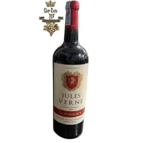 Rượu Vang Pháp Đỏ Jules Verne Cabernet Sauvignon có màu đỏ tươi. Mang hương thơm của các loại trái cây thơm ngon như anh đào, cherry