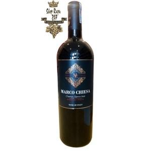 Rượu Vang Ngọt Marco Chiesa Rosso IGT Puglia có màu đỏ ruby tươi sáng và vô cùng bắt mắt. Là dòng vang ngọt mang phong cách