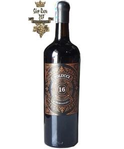 Rượu Vang Ý Đỏ Tolucci 16% có màu đỏ đậm sâu, tươi đặc trưng của hai giống nho negroamaro và sangiovese