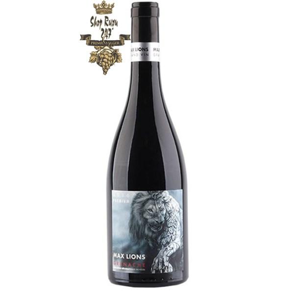 Vang Đỏ Pháp MAX LIONS GRENACHE PAYS D'OC (IGP) có màu đỏ tím đậm, đậm đà. Hương thơm tuyệt đẹp, tinh tế của rượu