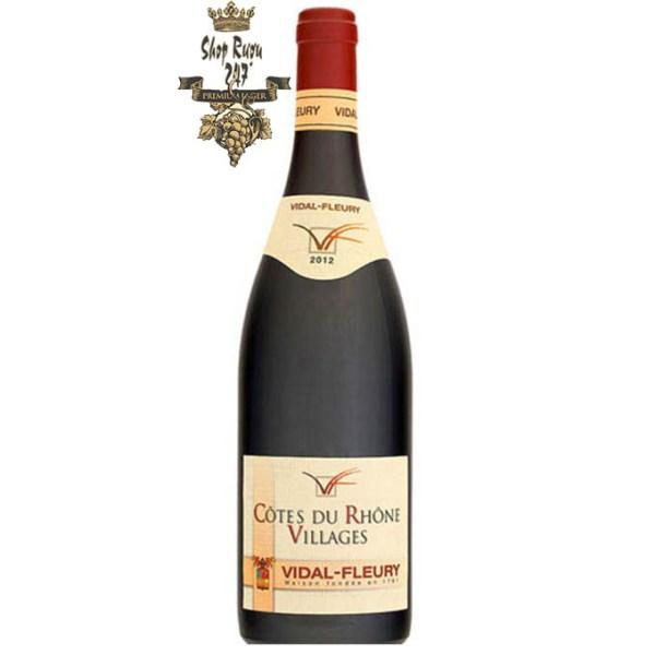 Rượu Vang Pháp VALRÉAS CÔTES DU RHÔNE VILLAGES có màu ruby đậm, hương vị đậm đà của vị hoa quả