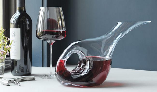 Trước khi mở chai Rượu vang lễ kỷ niệm của bạn trong tháng này, hãy nói về cách tối đa hóa hương vị của chai rượu vang đó