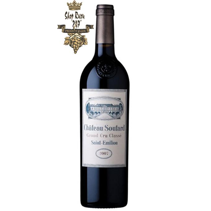 Château Soutard là một loại Grand Cru Classé (Tăng trưởng vĩ đại được phân loại) từ tên gọi Saint-Emilion ở Bordeaux