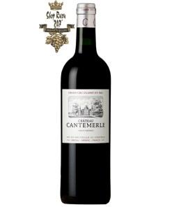 Vang Pháp Château Cantemerle Haut-Médoc Grand Cru Classé 2014 có màu đỏ ruby tươi sáng với hương hoa đào và trái dâu tây