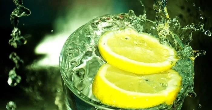 лимонная вода и её полезные свойства