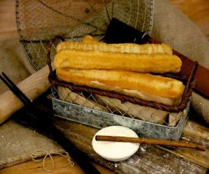 Xi De Li bakery shop's Youtiao snack, available in Singapore.