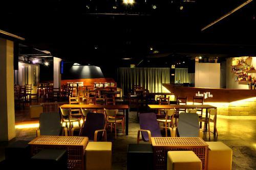 Shuffle Bistro Bar at Clarke Quay in Singapore.