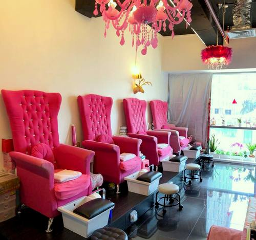 Pink Haven Nail Lounge in Singapore.