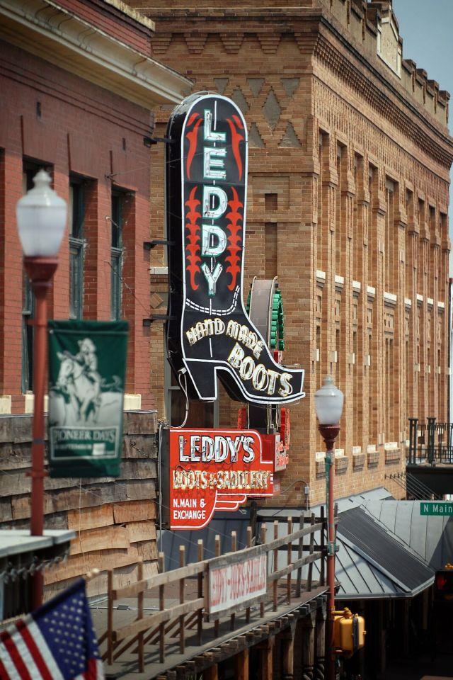 Leddy_Sign_Daytime