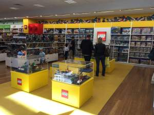 Lego-shop-in-shop