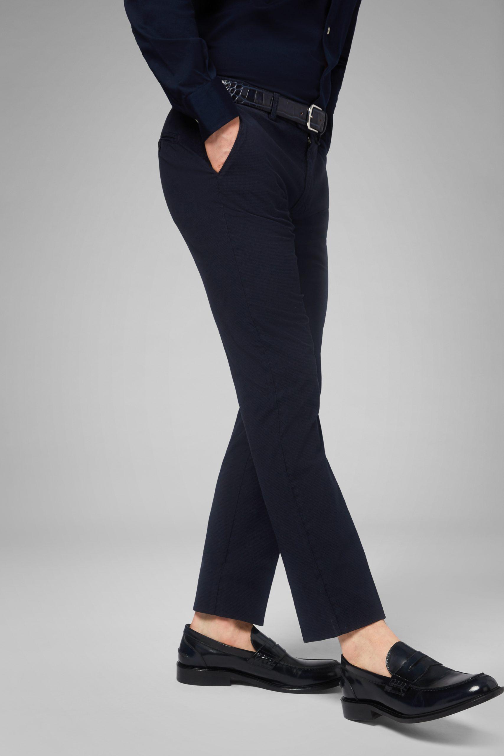 Pantaloni da uomo in colore Navy Blu in materiale
