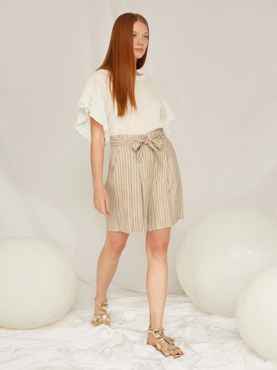 Caractere Abbigliamento > Pantaloni e jeans Beige - Caractère Pantaloni corti in lino rigato Donna Beige