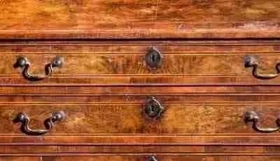 Mobili antichi; stime su mobili antichi usati, prezzi, vendita online