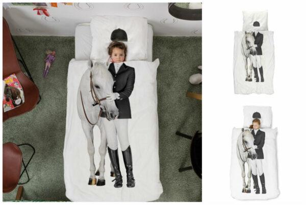 snurk hest og rytter sengetøj snurk hest sengetøj snurk rytter voksendyne snurk juniordyne snurk sengetøj indretning børneværelse hestepige