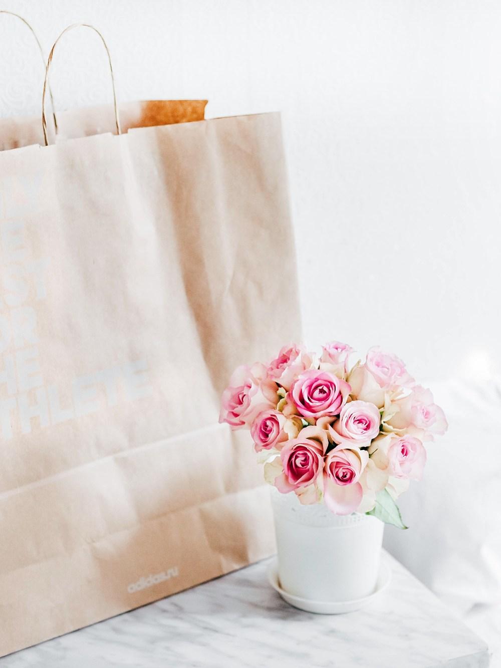 personal shopper alexandra-gorn-350218-unsplash