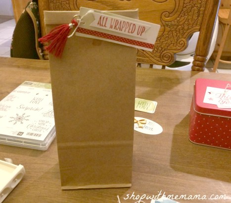 homemade holiday gift bags with gift tags