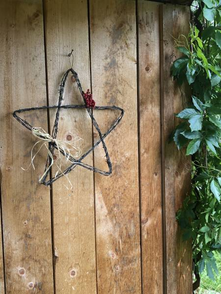 barbed wire star craft diy