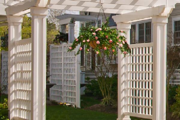 Photo-of-Harmony-Fence-Adapted-to-Pergola