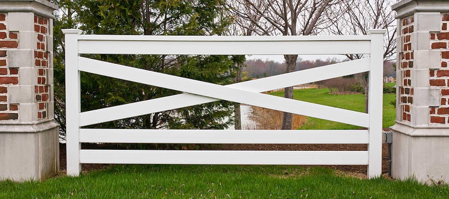 5 Rail Crossbuck Vinyl Fence Shoreline Vinyl Systems