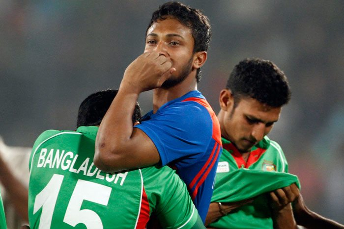 bangladeshi-players-breaking-down-in-tears-after-asia-cup-final-defeat1