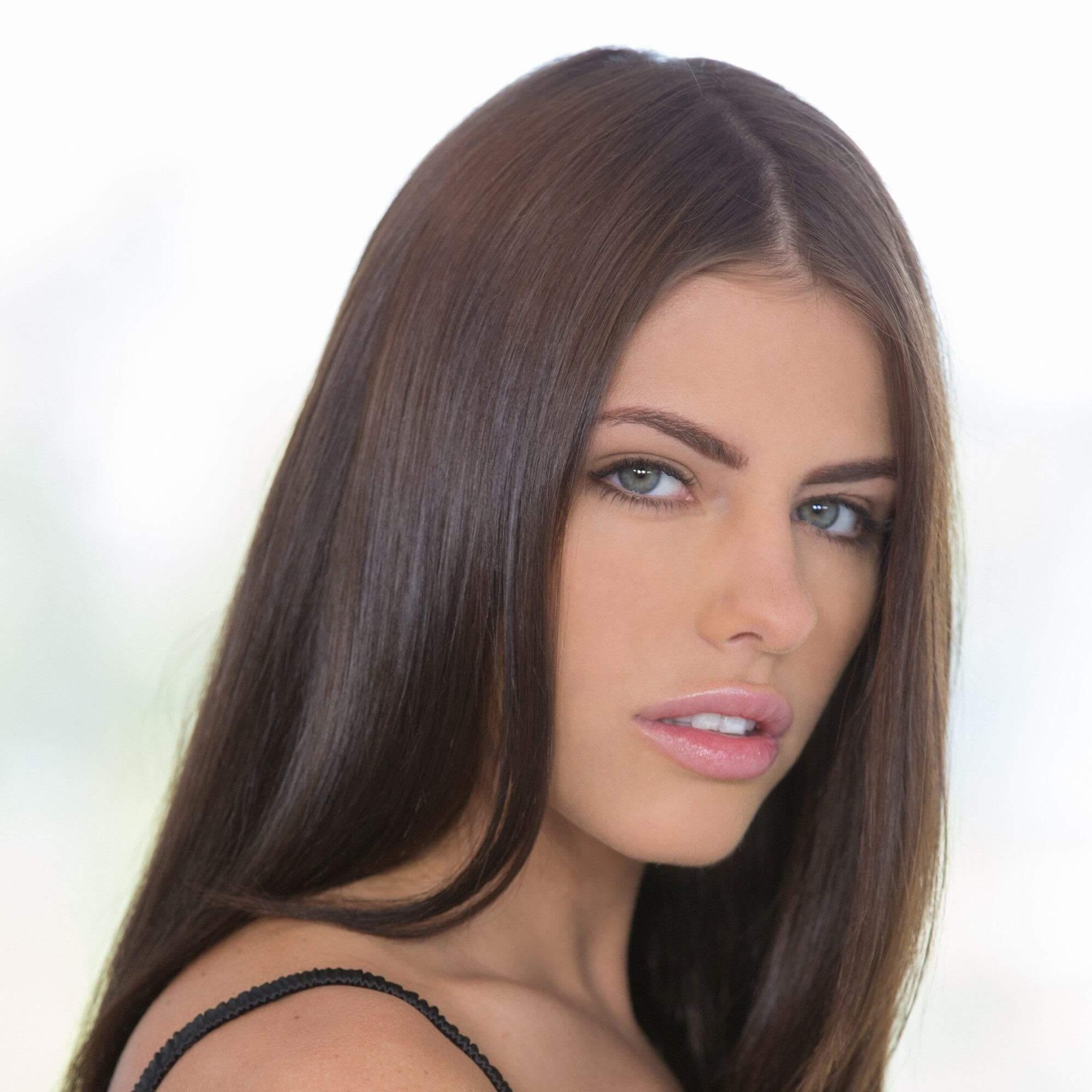 Adriana checkchik