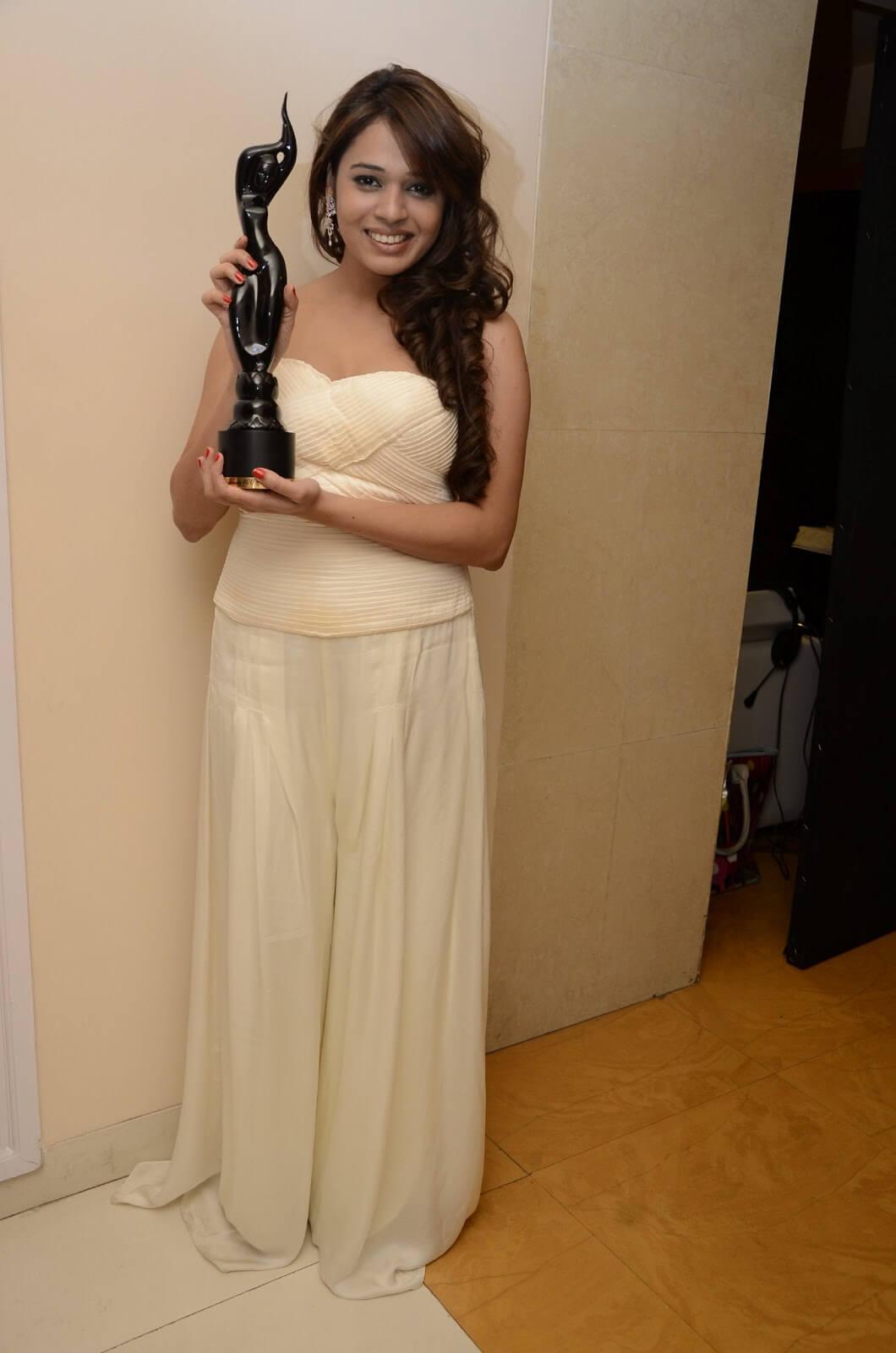 Singer Shalmali Kholgade