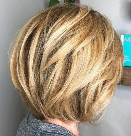 Bob Balayage Blonde Layers